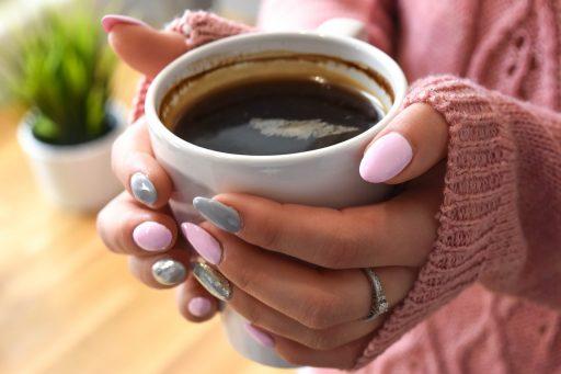 Café hecho en inducción con cafetera bonbivo
